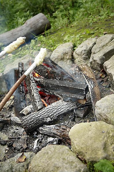 焚き火パン焼きはじめ