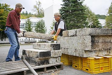 石窯組み立て