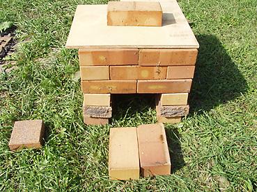 超簡単!煉瓦を積上げた超簡単スモーカーを製作