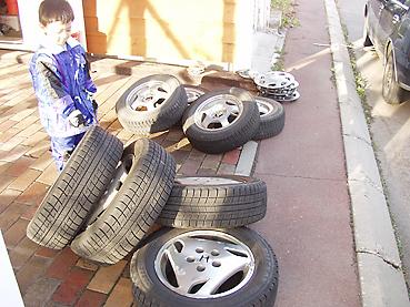 スタットレスタイヤに交換 タイヤを出す