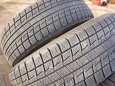 スタットレスタイヤに交換 タイヤの溝を見る