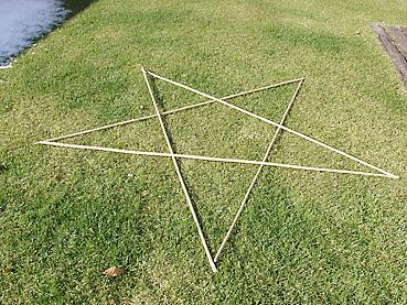 竹でベツレヘムの星を作る