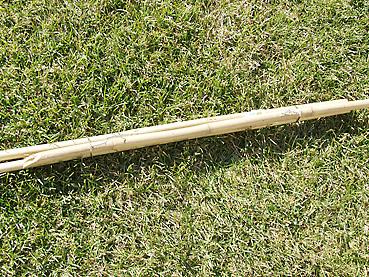 竹で柱をつくる
