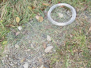 金網と針金でネズミからガード