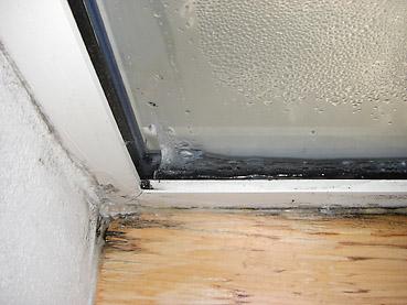 窓の結露防止に超オススメの省電力マルチヒーター