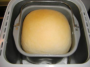 MKホームベーカリー  HB-100で、ミルクリッチパンを焼きました!フワフワの焼き上がり