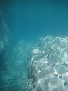 積丹半島の絶景「島武意海岸」海中散歩